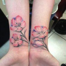 粉红小花朵纹身图案大全