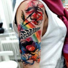 手臂彩色泼墨纹身图案