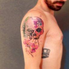 手臂彩色泼墨骷髅纹身图案