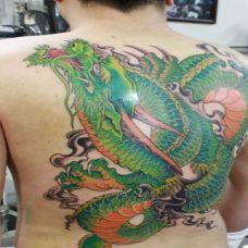 青龙纹身图片背部图案