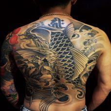 后背纹身鱼图案素材大全
