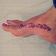 女生脚部有意义的英文纹身图案