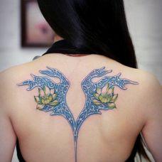 女生后背纹身图案精选图集