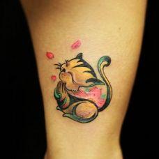 手臂可爱猫咪纹身图案