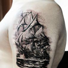 个性的纹身帆船图片