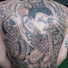 满背二郎神纹身帅气图片
