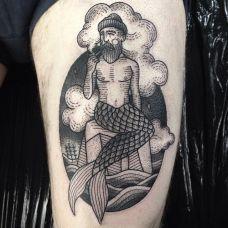另类美人鱼,大腿充满喜感的美人鱼纹身