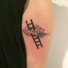 手臂云梯纹身图案