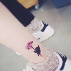 小纹身女孩图案精选素材