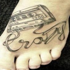 脚背创意磁带纹身图案