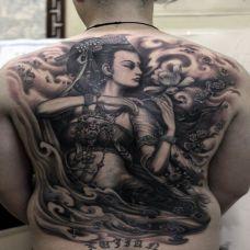 满背黑灰敦煌飞天纹身图案