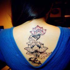 背部女生纹身图案大全