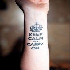 女生个性的手臂英文纹身图片