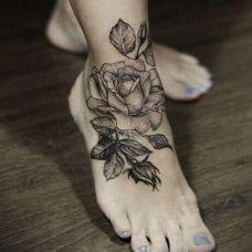 女生脚纹身图塔图片素材