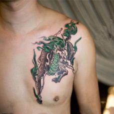 胸肩麒麟纹身图片推荐
