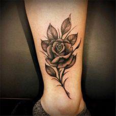 脚踝纹身玫瑰图案女生图片