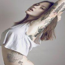 后非主流纹身美女图片