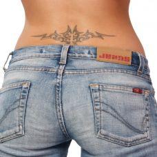 牛仔裤美女纹身图片大全