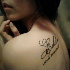 美女性感英文字母单个纹身图案精选
