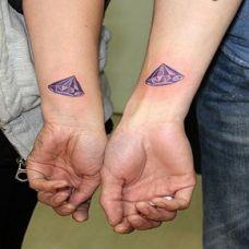 经典的钻石情侣纹身图案大全