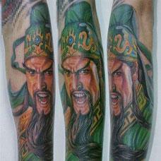 男生彩色手臂关公纹身图案超酷图片