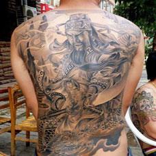 男生霸气纹身满背后背关公图案图片