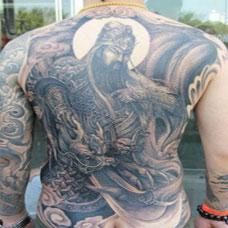 霸气超帅的后背关公纹身图片精选