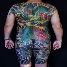 游龙破浪,满背青龙浪花彩绘纹身