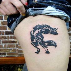 狼图腾腿部纹身图片素材