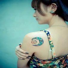 女生后背小清新月亮纹身图案大全