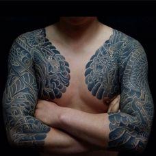 男生手臂两边半甲纹身图片大全