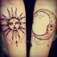 月亮太阳手上纹身图片大全