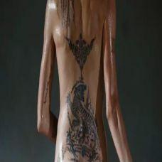 安吉丽娜朱莉纹身图片