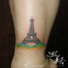 脚踝艾菲尔铁塔纹身图片