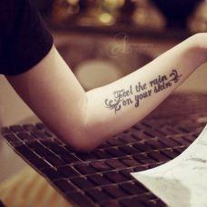 女生小臂简单英文纹身小图案