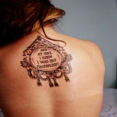 欧美女生后背英文图腾纹身图案