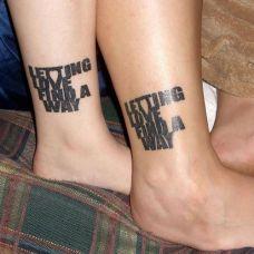 情侣脚踝个性英文纹身图案欣赏