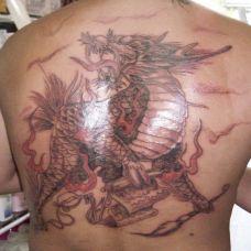 男生个性后背麒麟纹身图腾大全