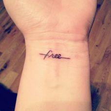 女生手腕好看英文字母纹身图案大全