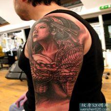 日本美女与手臂图腾龙纹身图案大全