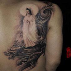 男生背部图腾观音龙纹身图案大全