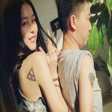 情侣背部可爱彩色纹身小图案