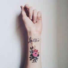 小清新花朵手腕英文纹身图片大全
