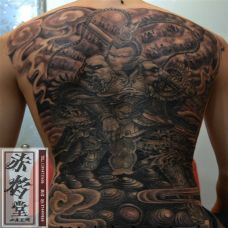 男生满背斗战胜佛纹身图片时尚个性