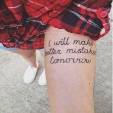 时尚简单的手腕女生英文纹身图案