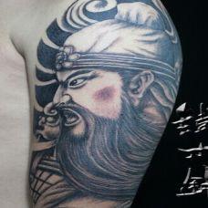 欧美男生手臂关公纹身图案欣赏
