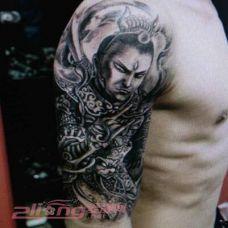 二郎神手臂纹身图案个性十足