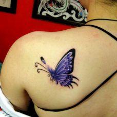 女生后肩唯美蝴蝶图案纹身作品