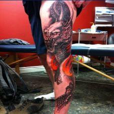 霸气男腿部龙纹身图案大全