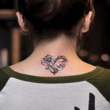 脖子纹身图案女生图片合辑